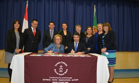 Signing of MOU for Portuguese Language Program