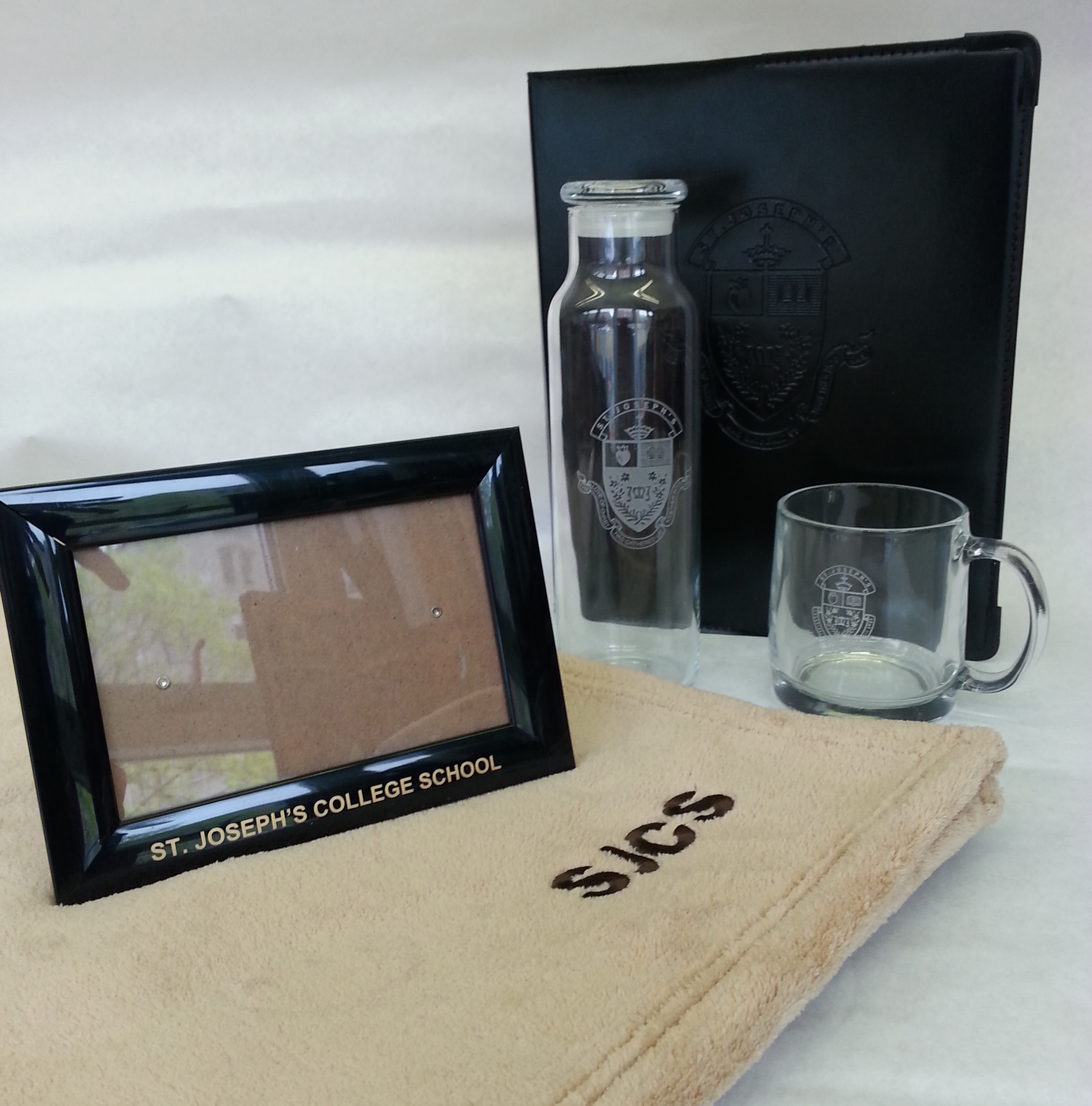 blanket glassware photo frame cropper to use.jpg